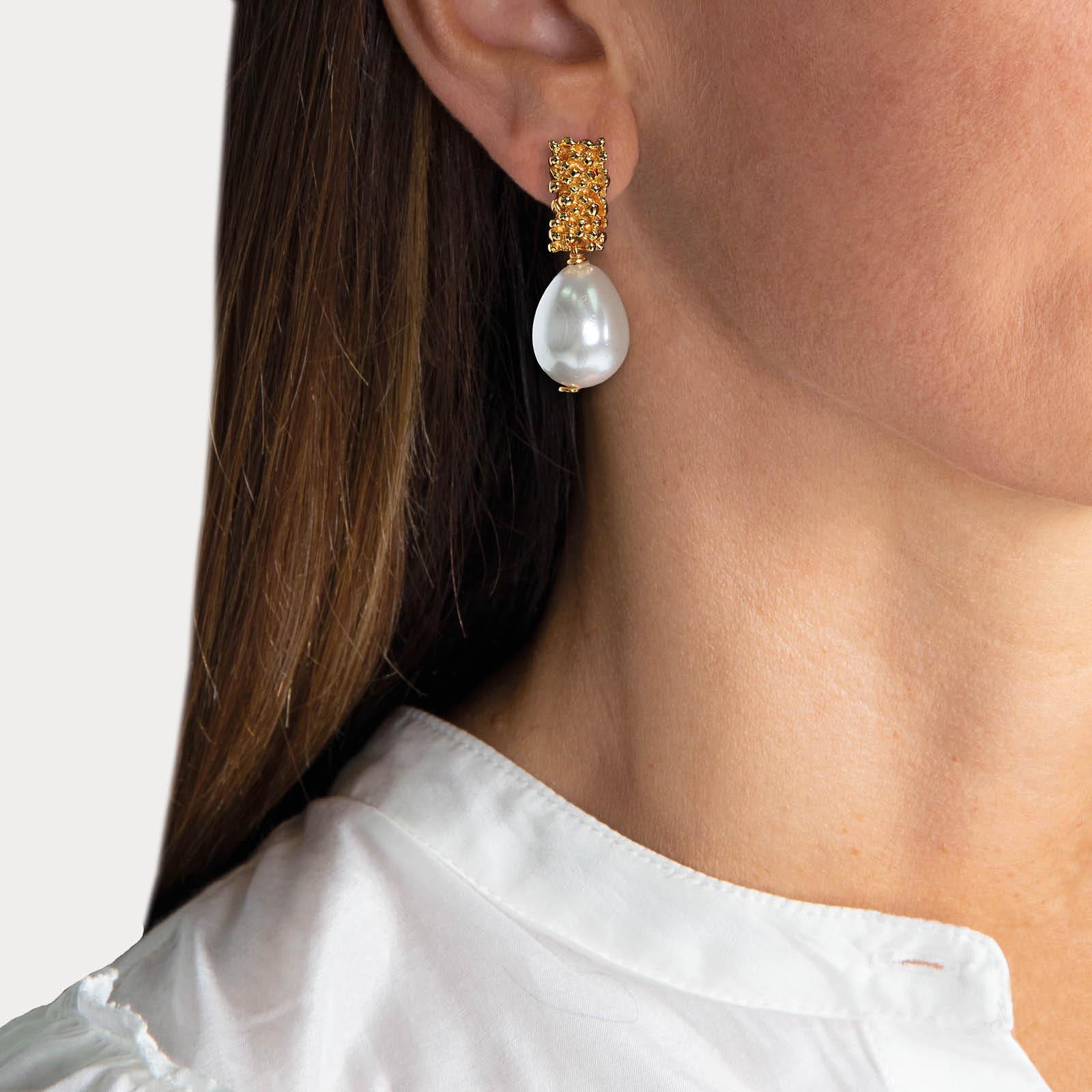 Royal Pearl Earrings White